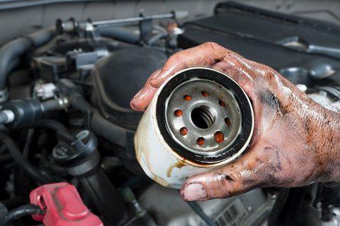 Avto KVEDER - Menjava oljnega filtra