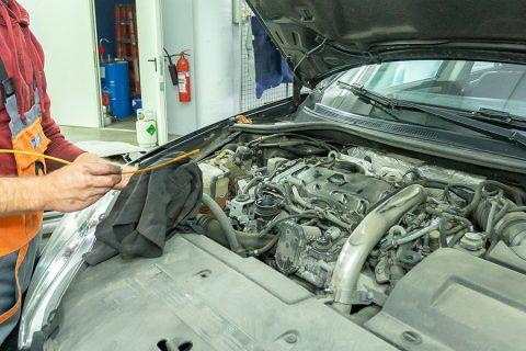 Hitri pregled vozila - Nivo olja
