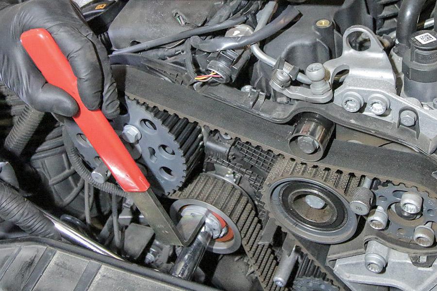 Avto KVEDER - Menjava zobatega jermena in vodne črpalke